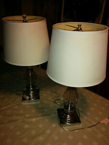 2 glass and chrome lamps/ 2 lampes en verres chromés