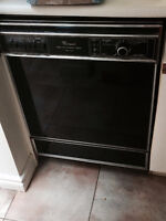 Whirlpool Dishwasher in excellent working condition