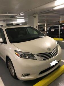 2017 Toyota Sienna XLE Minivan, Van