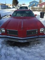 1975 Oldsmobile cutlass supreme in good shape