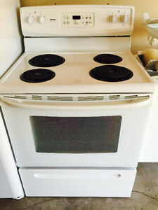 White oven with stove tops, like new