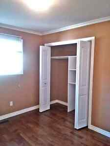 ROOM FOR RENT!!
