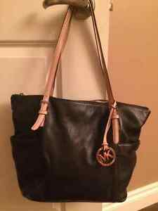 Michael Kors Jet Set Large Tote - Black Leather