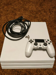 PS4 PRO WHITE MINT CONDITION BARELY USED