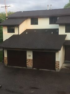 3 bedroom east side town house !!!!