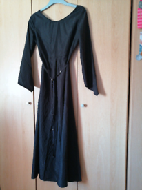 Long black pagan gown comes with a belt.