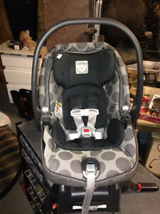 peg perego car seat with base and winter cover