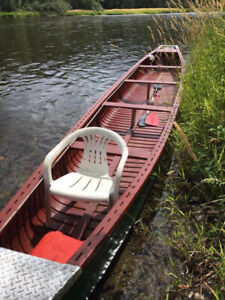 26ft Canoe with cover, trailer and Johnson 15 Hp Motor