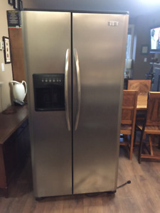 """For sophisticated Man Cave  - 33"""" Side by Side SS Fridge"""