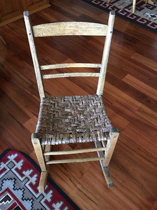 ANTIQUE ROCKING CHAIR from Quebec in Original & Great Condition