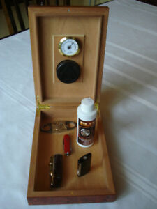 """Cigar box """" HUMIDOR """" + briquet """" S.T. DUPONT """" + accessories..."""