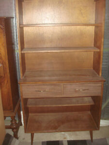 CABINET- SOLID WOOD VINTAGE CHINA CABINET