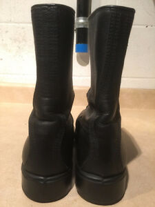 Men's Emu Comfort Leather Boots Size 8.5 London Ontario image 3