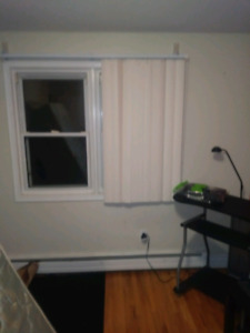 Room for rent in Burlington Town House