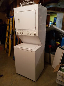"""27"""" Kenmore LR36150 Stacked Washer Dryer"""