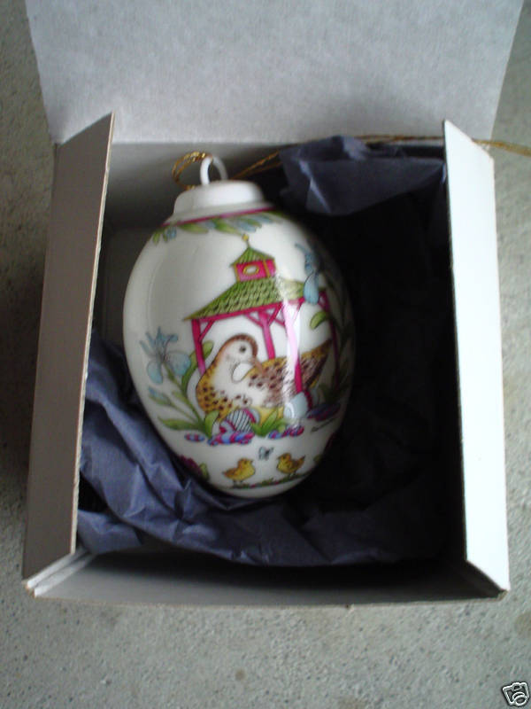 2003 Hutschenreuther Annual Egg Christmas Ornament