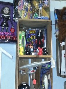AMAZING SELECTION OF VINTAGE TOYS & MORE London Ontario image 3