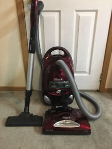 Shark EP754c Canister Vacuum