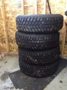 215 65 16 studded hankook ipike winters