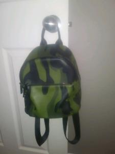 Sacoche style sac à do armée