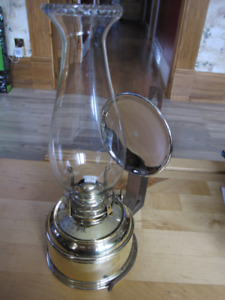 VICTOR BRACKET ANTIQUE OIL LAMP WITH MERCURY GLASS REFLECTOR