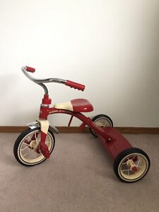 """Brand New Radio Flyer Classic Red 10"""" with Push Handle"""