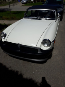 MGB 1980 British racing white
