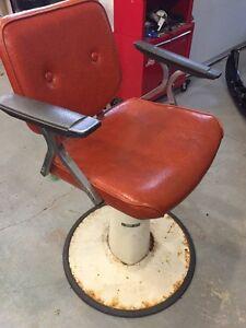 Salon chair/Barbor chair