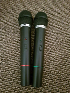 2 9V battery powered microphones