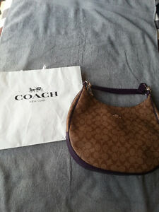 New coach hangbag for women, never be used, the brand still on Kitchener / Waterloo Kitchener Area image 3