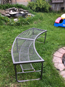 Outdoor  Horseshoe Table Bench Plant Stand - Metal Mesh