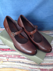 Born Mary Janes Size 9.5 M