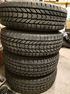 255/75R17 Winter tires and rims