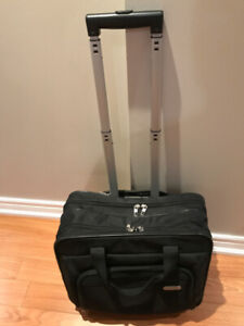 TARGUS ROLLER LAPTOP BAG IN EXCELLENT CONDITION
