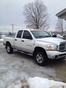 2006 Dodge Power Ram 2500 SLT PLUS Pickup Truck