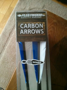 Fleetwood Feathered Carbon Arrows with Points