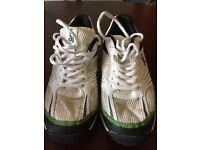 Kookaburra cricket shoes size 5