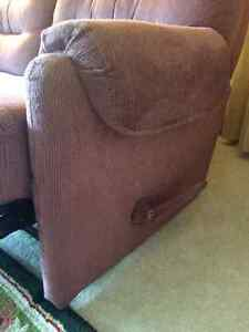 PRICE REDUCED TO $195-RECLINER: TWO-SEAT--MANUALLY OPERATED Peterborough Peterborough Area image 6