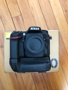 MINT NIKON D7200 + ACCESSORIES PRICED TO SELL