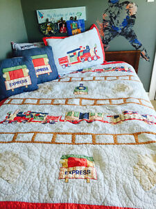Boys twin train quilt set