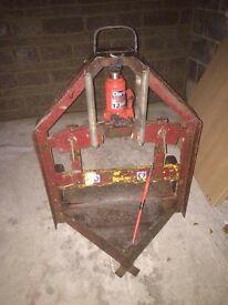 hydraulic block/curb splitter £100