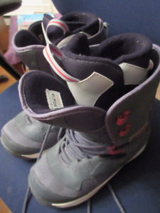 Liquid Snowboard Boots - Never worn   Great buy..... Size 8 US