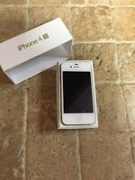 Iphone 4s 16gb Bell/Virgin excellente condition