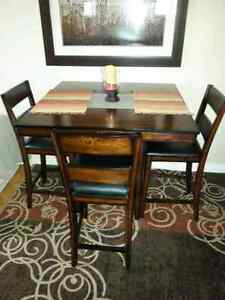 mahogany table 4matching chairs Oakville / Halton Region Toronto (GTA) image 1
