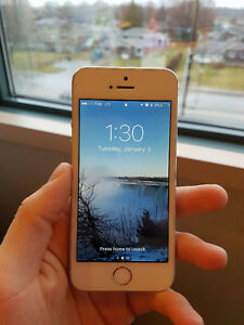 IPhone 5S - 16GB - Mint Condition