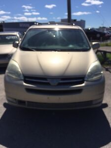 TOYOTA SIENNA 2004 XLE AWD FOR CHEAP