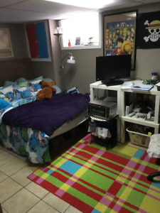 Subletting Room till August, Close to Mohawk College