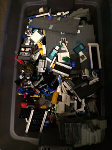 Bin Of Lego, 33 Different Lego Sets **PRICE NEGOTIABLE**