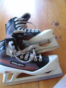 BAUER PERFORMANCE HOCKEY SKATES 2015 USED ONE SEASON $60  OR bo