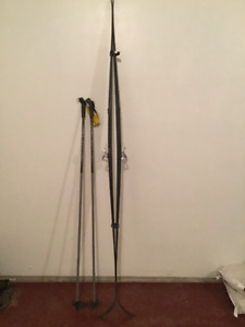 Skis and poles sets